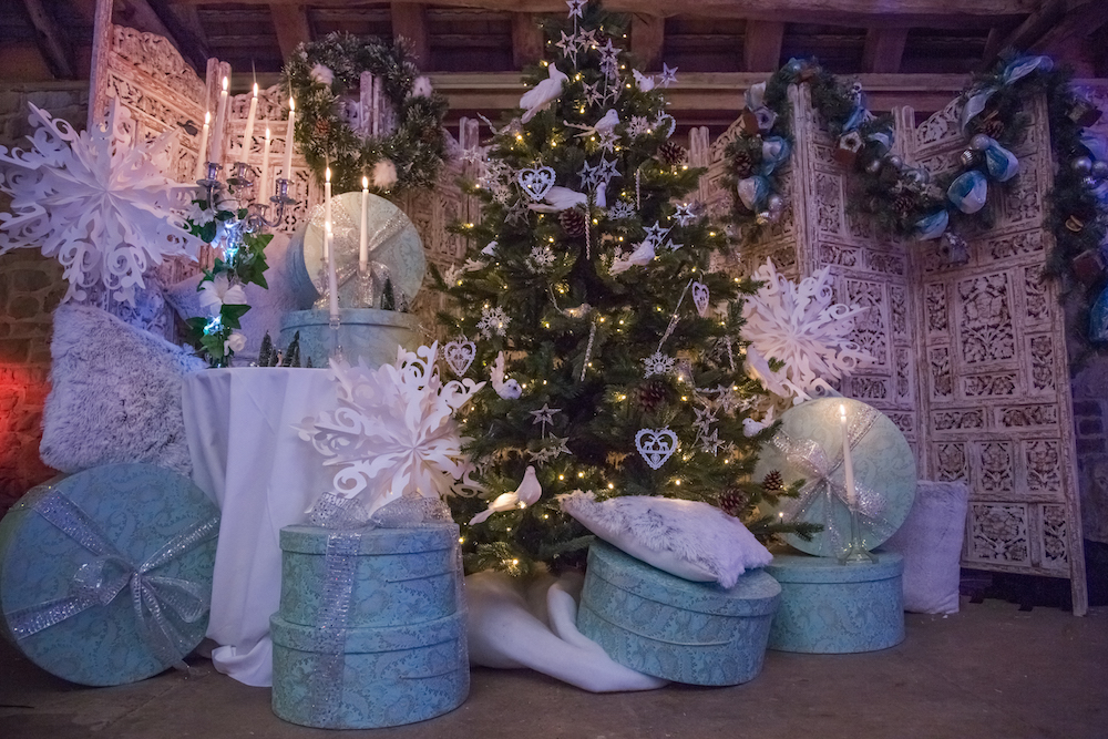 It means no matter what the bare bones of your company Christmas party venue are, our extensive range of Christmas decorations for events and parties means ...